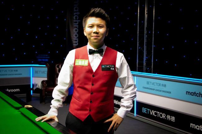22岁的周跃龙在小组决赛中3-2打败了希金斯,晋级胜者组