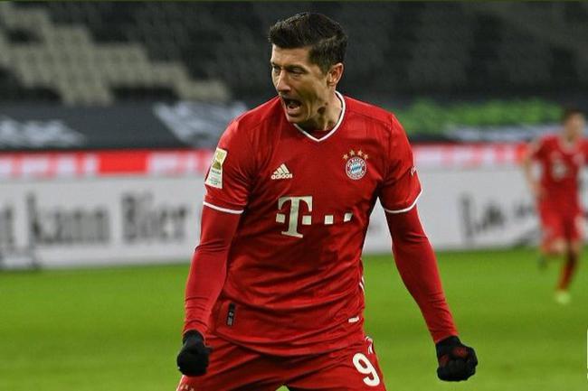 德甲-莱万磁卡先进两球遭逆转 拜仁2-3被门兴罕见逆转