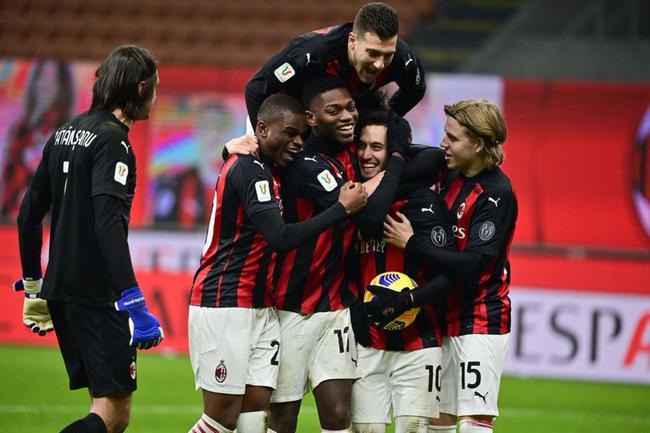 意杯-中柱 点球似遭漏判 染红 AC米兰点球5-4晋级