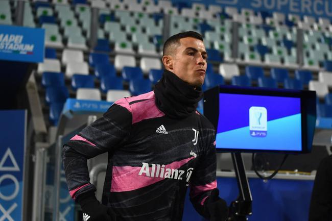 上赛季意甲冠军尤文图斯2比0打败意大利杯冠军那不勒斯