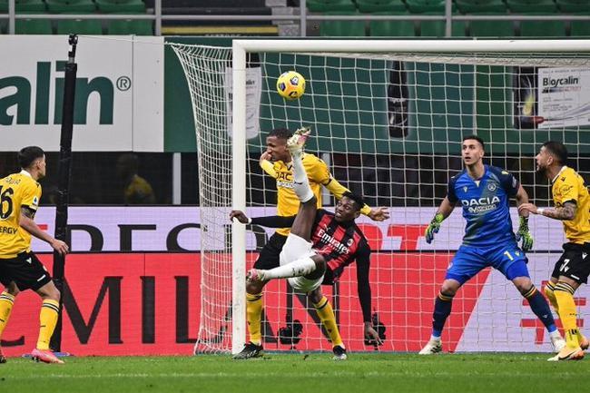 意甲-凯西补时第7分钟点球救主 AC米兰主场1-1平
