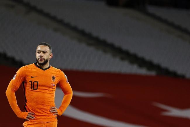 【博狗扑克】世预赛-土耳其队长戴帽 恰神传射 荷兰客场2-4负