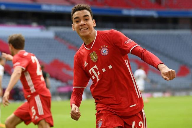 德甲-穆勒助攻 穆夏拉破僵后伤退 拜仁主场1比1平