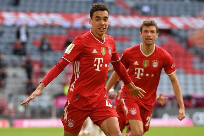 金童破最年轻进球纪录 穆勒16助+拜仁64连场破门