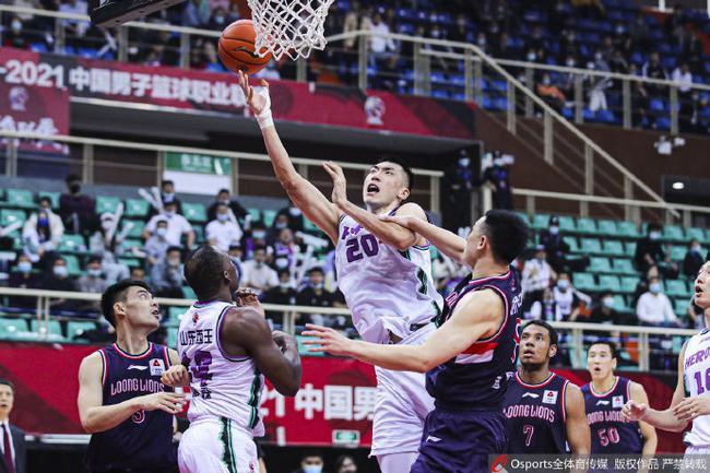 高诗岩24+7+6山东淘汰广州进八强 将对阵新疆