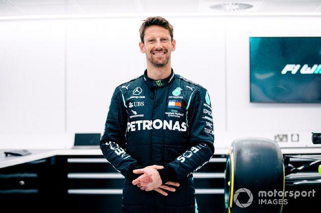 梅赛德斯安排格罗斯让试驾冠军赛车