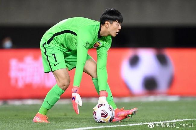颜骏凌发微回顾上海德比:这才是足球该有的样子