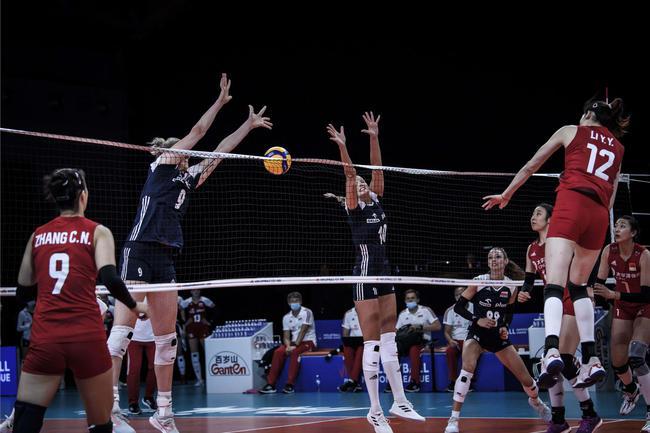 中国女排VS波兰次局:25-22再下一城 大比分2-0