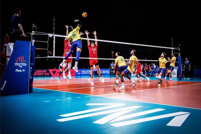 男排世联巴西波兰等四队进四强 动态排名巴西居首