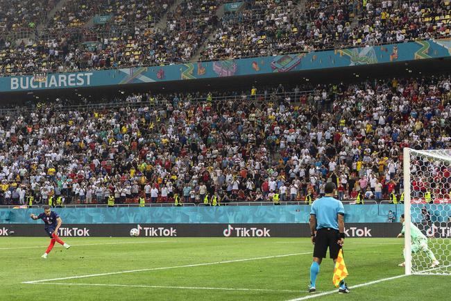 瑞士门将扑点犯规?26万球迷要求法国瑞士重赛