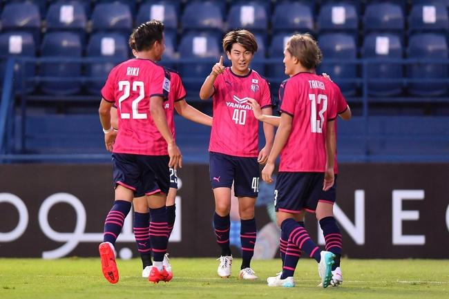 0-4!广州年轻球员心态已爆炸 防线各种轻易漏人