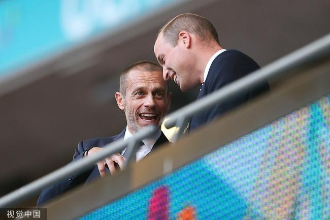 英格兰战丹麦看台大牌云集!英国首相+威廉王子+小贝
