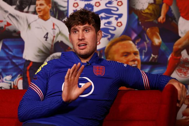 英中卫:希望斯特林当选欧洲杯最佳 决赛防守很关键