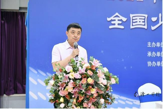 上海棋院副院长刘世振主持开幕式