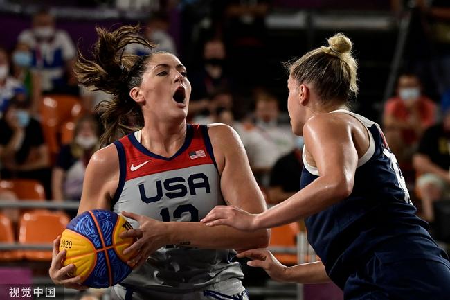 三人女篮美国队夺金牌 俄罗斯苦战失利收银牌