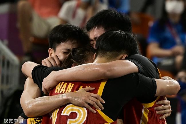 杜锋祝贺三人女篮摘铜:中国篮球人继续加油!