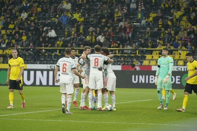 德超杯-莱万双响穆勒进球 拜仁3-1胜多特蒙德夺冠