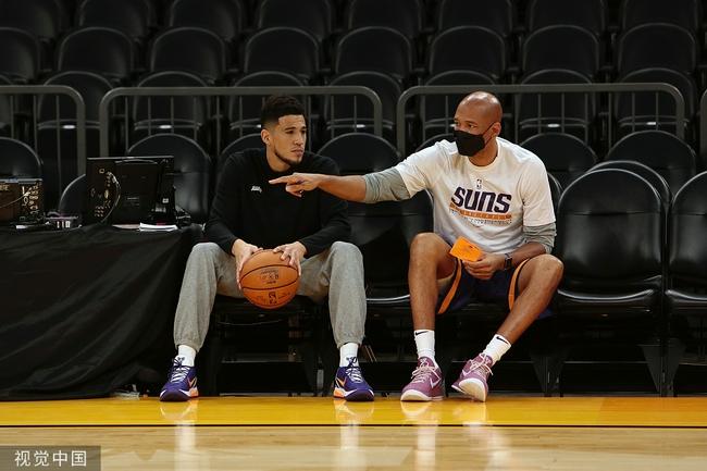 太阳主帅为布克拼搏精神点赞:他是真的爱篮球