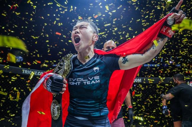 熊竞楠击败最强挑战者 打破卫冕冠军世界纪录