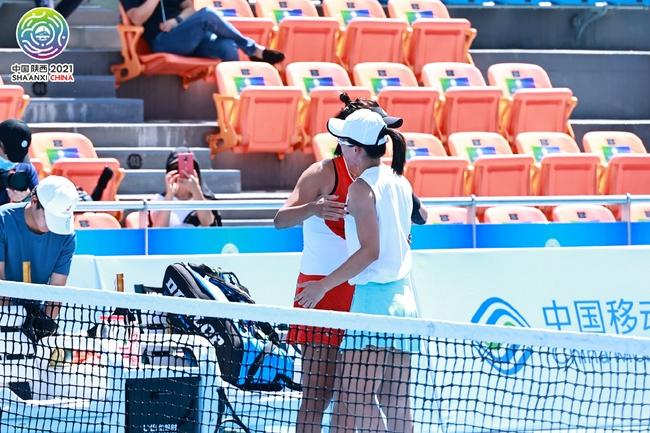 全运网球女单决赛7分钟结束 郑赛赛伤退王蔷卫冕