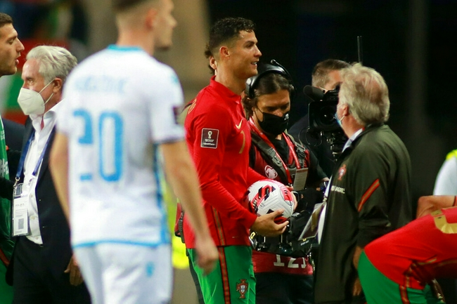 C罗在国家队进16个点球   比梅西在国家队的点球少