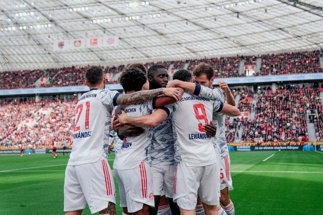 太残暴了!拜仁7分钟进4球  半场5比0打花德甲第三