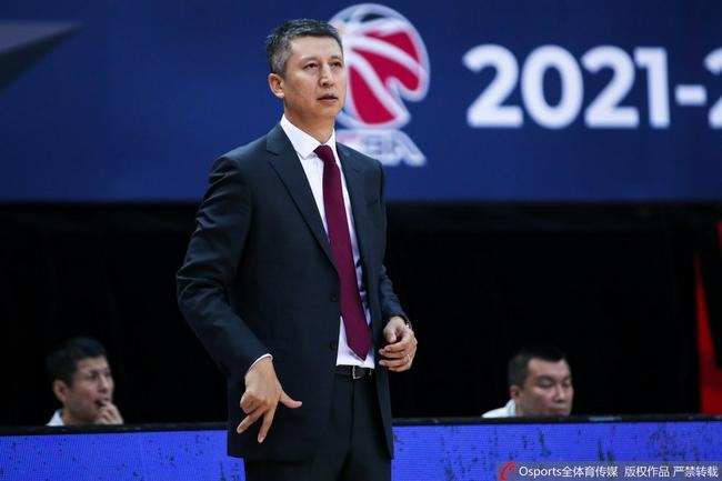 郭士强谈广州惨败两点原因 指出选秀球员不足