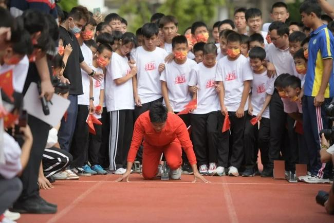 苏炳添回到梦开始的地方 运动生涯超越个人价值