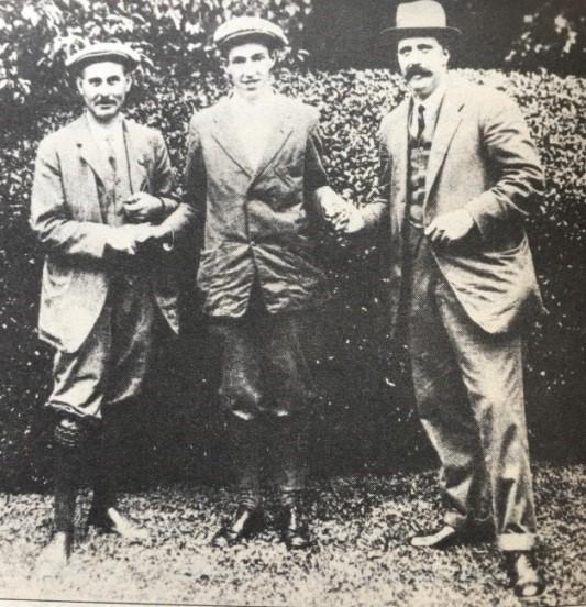 瓦登、威梅特、瑞赛后握手拍照