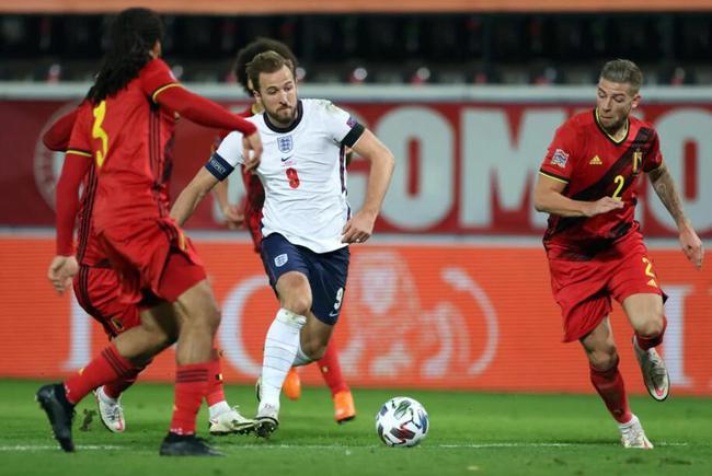 英格兰客场0比2不敌比利时,蒂莱曼斯和默尔滕斯先后进球