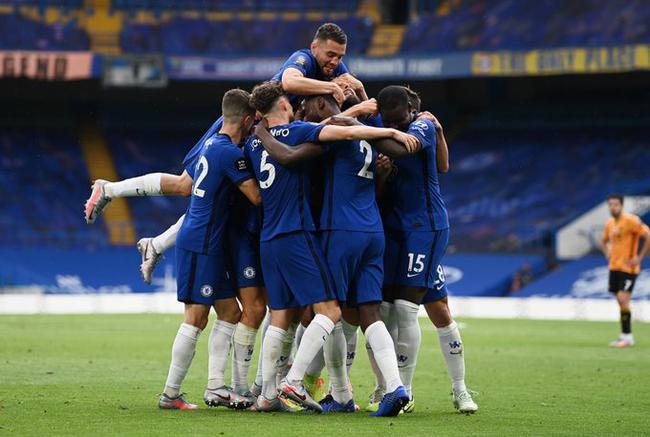 英超-芒特传射建功 吉鲁破门 切尔西2-0晋级欧冠