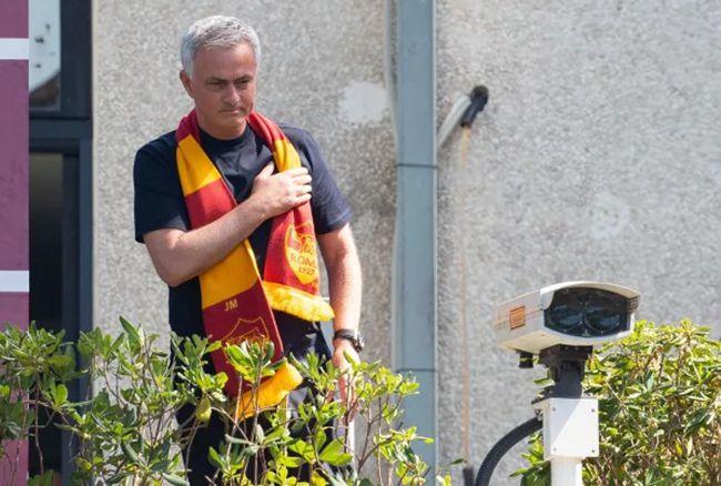 穆帅:失去伟意左6个月太糟 期待意大利复仇西班牙
