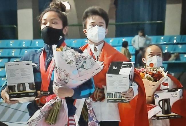 印度人打破中国选手的世界纪录 奥运威胁?放轻松