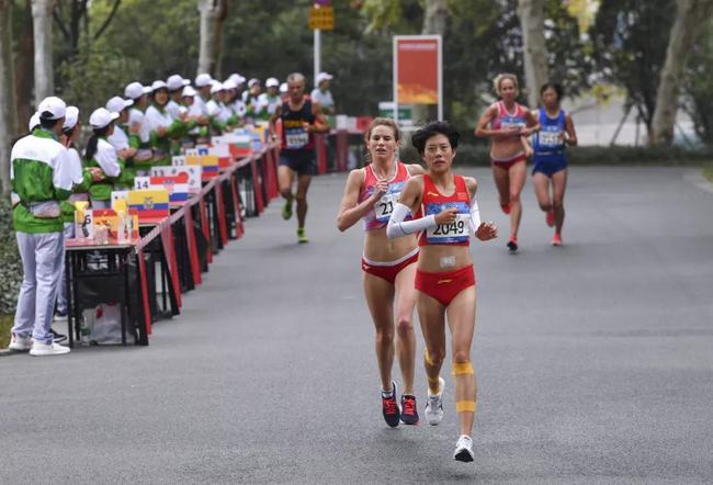 中国田径领跑诸强创军运荣耀