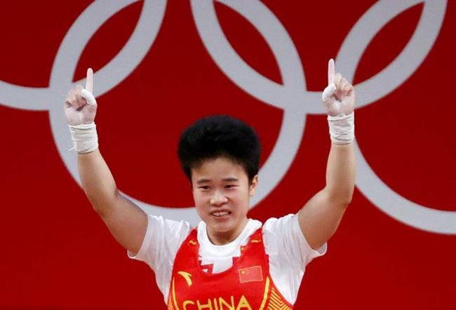 中国举重历届奥运冠军 侯志慧捍卫王牌项目荣耀