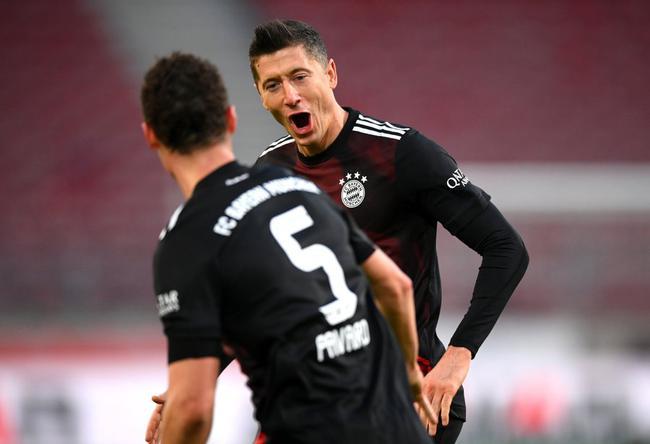 拜仁3比1反转斯图加特莱万中柱追上战况
