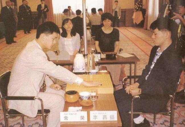 李昌镐与常昊在比赛中