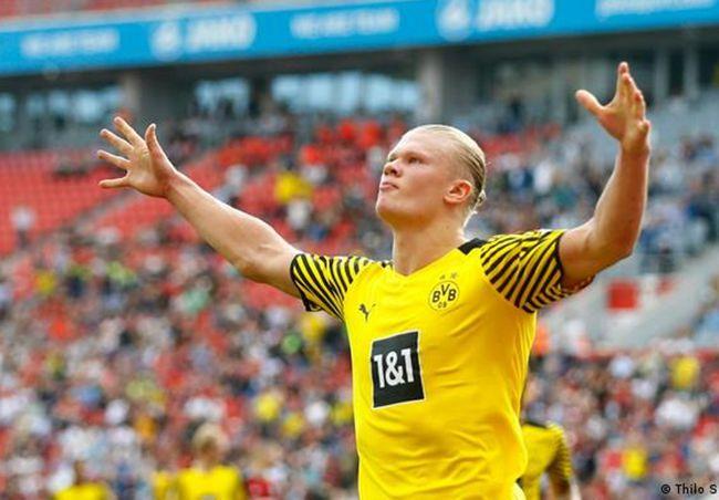 哈兰德再破德甲最年轻进球纪录 对手:世界级防不住!