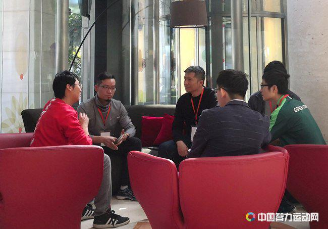 杭天鹏接受采访(图片来源:中国智力运动网)