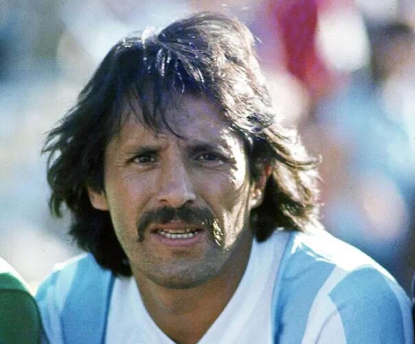 阿根廷失去了球王马拉多纳和前国家队主帅萨维利亚