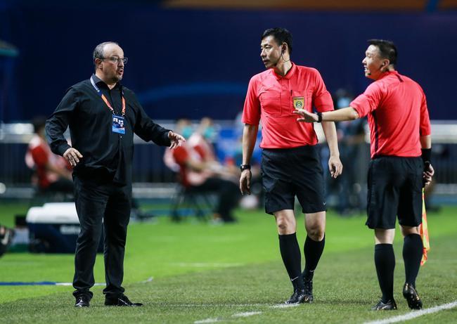 大连人俱乐部向足协提出申诉 不满裁判双标执法