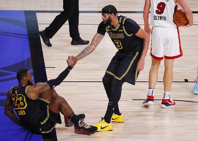 NBA总决赛已经结束了前两场的争夺,洛杉矶湖人取得了巨大的优势