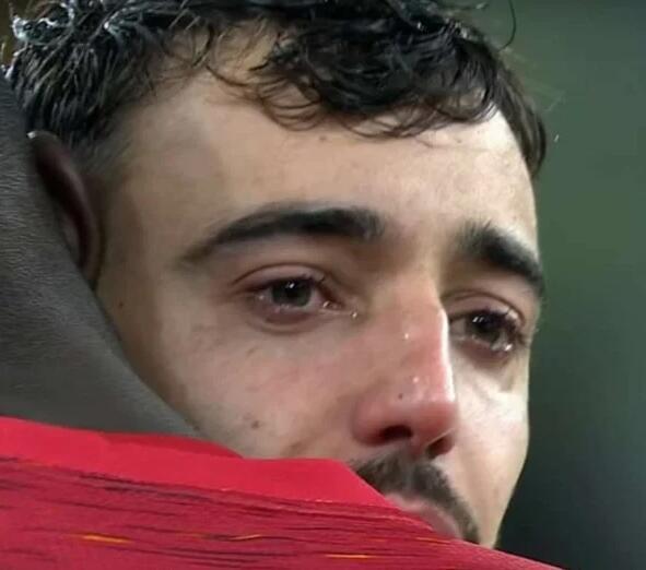 曼联丢冠B费痛苦落泪 像他这样好胜的有几个