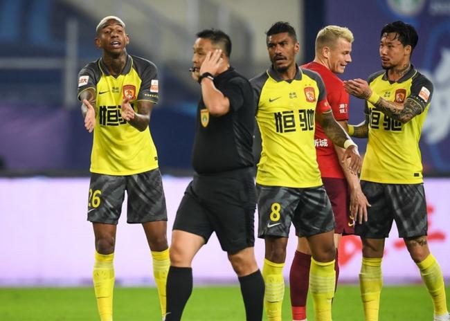 塔利斯卡被粤媒批评:球迷最期待又最失望的外援