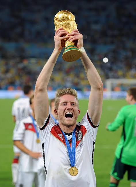 前德国国脚许尔勒宣布退役 14年世界杯送夺冠助攻