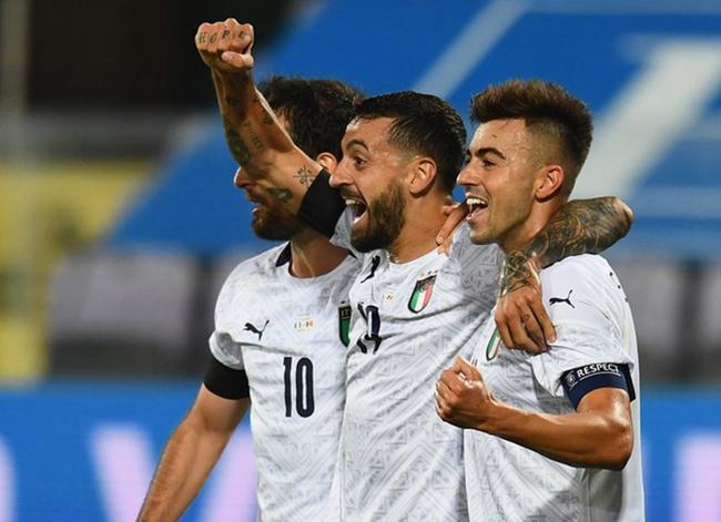 热身赛-沙拉维梅开2度 首秀中锋破门 意大利6-0胜
