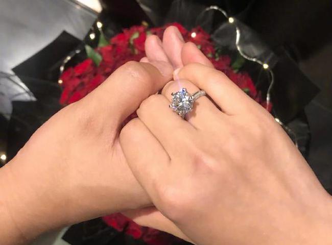 《长安十二时辰》总制片人梁超求婚何雯娜 幸福大喊:我愿意!