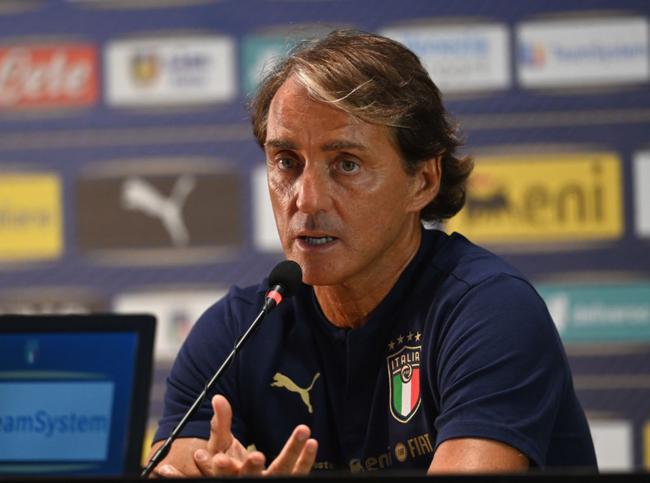 曼奇尼否定回英超联赛和意甲联赛任教,并表明争取领着意大利国家