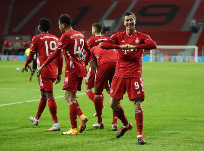 德甲-莱万2球 压哨绝杀 拜仁2-1逆转领头羊升榜首