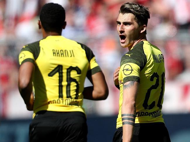 德甲-中锋破门中卫伤退 多特蒙德主场1-2负美因茨